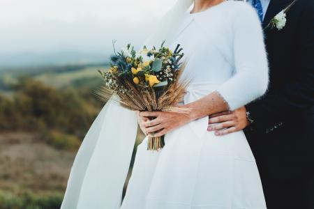 新娘与婚礼花束