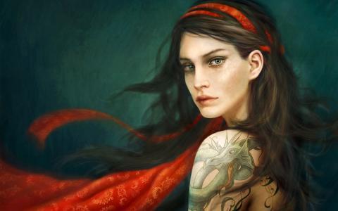 龙纹身在肩上的伤心女孩