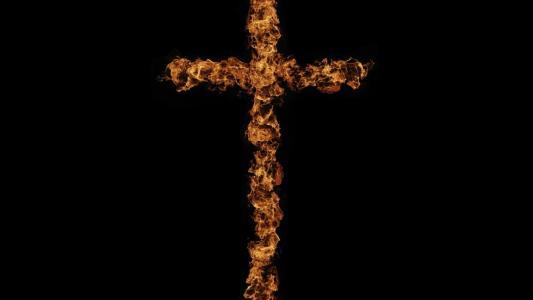 燃烧的火焰十字架