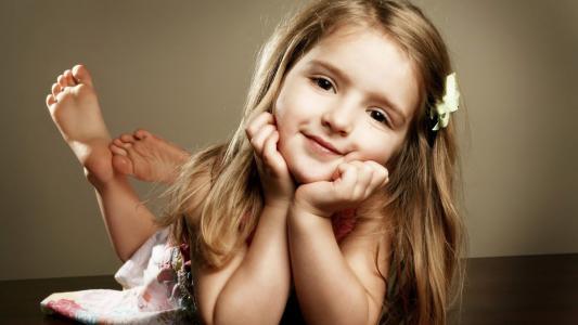 漂亮可爱的女孩