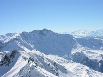 在Les弧,法国滑雪胜地的山峰