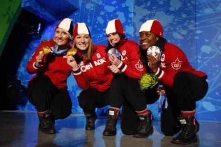 加拿大雪橇Kaylee Humphries获得金牌