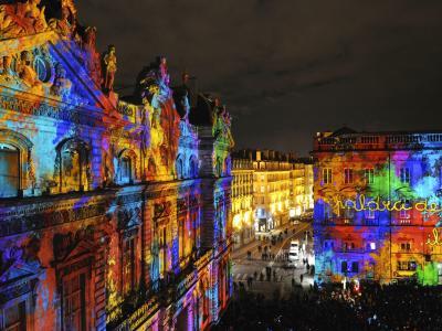 法国里昂的建筑照明