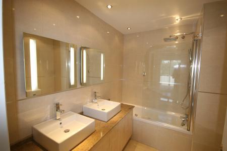 辉煌的浴室