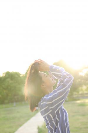 李沁唯美迷人写真