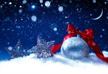 新年的球与闪亮的星星装饰为新年2018年