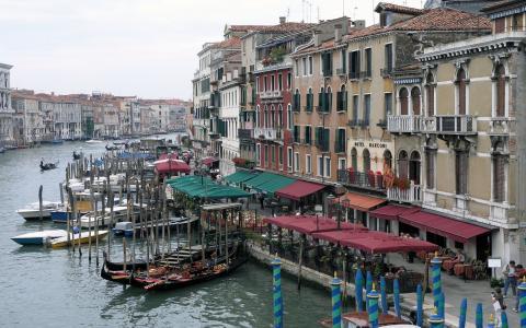 前往威尼斯