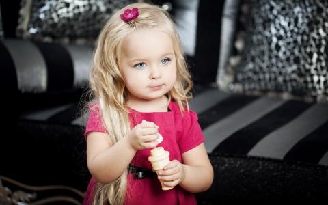 甜美的女孩