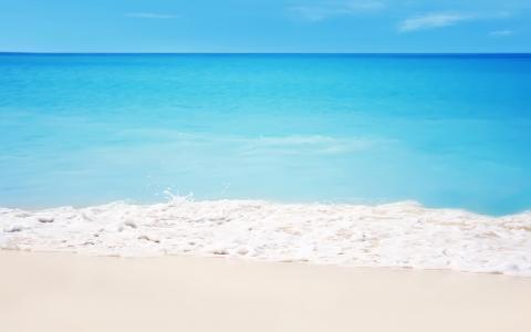 在沙滩上的白色沙滩