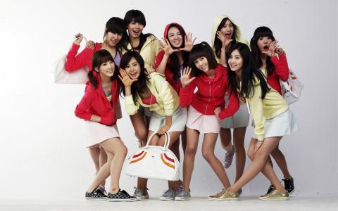 韩国女孩在运动鞋