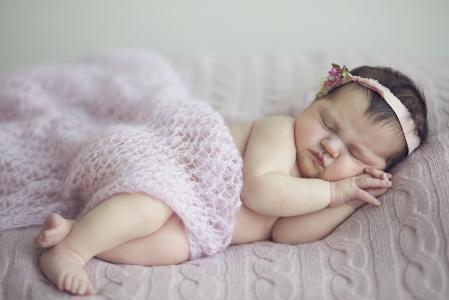 小宝宝睡觉宝贝