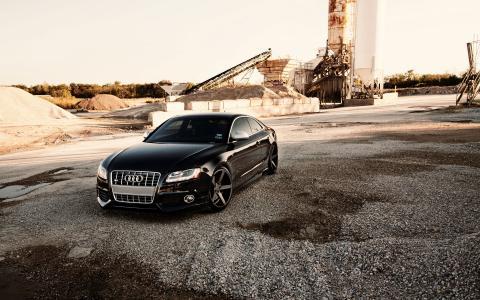 黑色奥迪S5