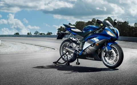 摩托车雅马哈YZF R6