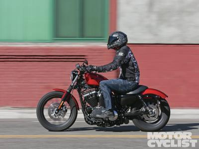 美丽的摩托车在莫斯科哈雷戴维森XL 883R跑车跑车