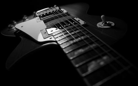 黑吉他德卡