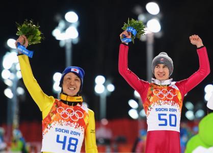 来自日本跳伞运动员的嘉靖银座获得金牌