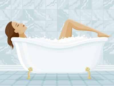 女孩在浴室里