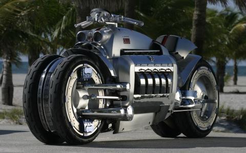 强大的现代摩托车