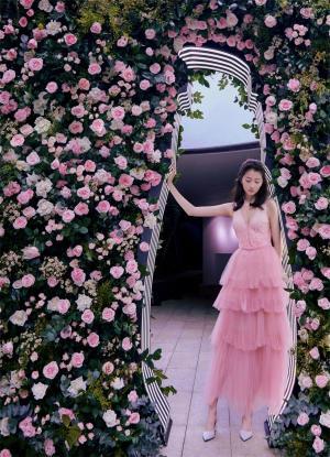 关晓彤花粉蛋糕裙写真