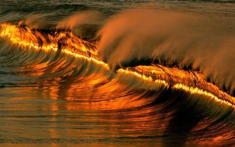 太阳反射在波浪中