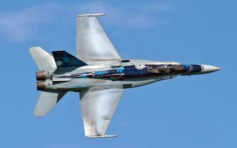 飞机CF-18