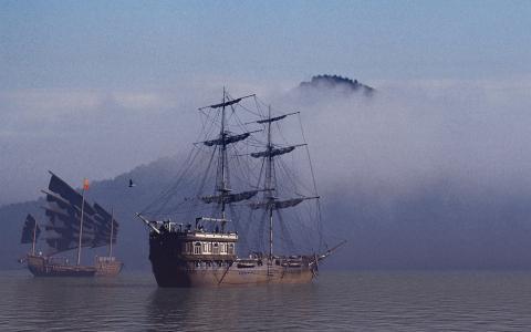 在雾中的帆船