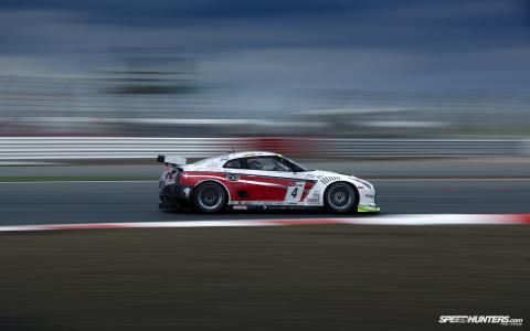 赛车在速度