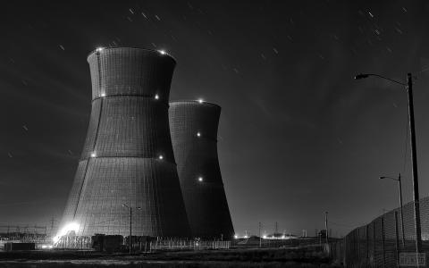 核电站的灯