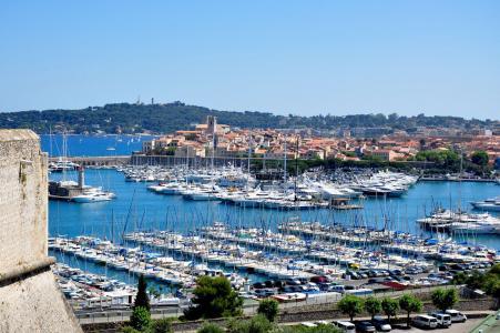 法国昂蒂布度假村的港口