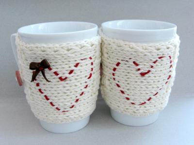 2月14日情人节的刺绣心杯