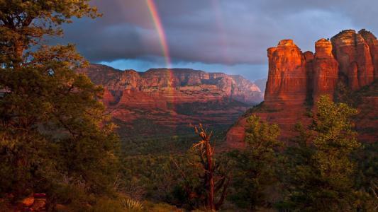彩虹在峡谷