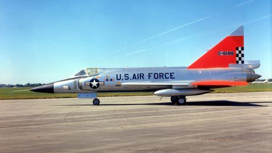军用飞机F-102