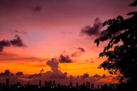 在哥伦比亚七彩日落