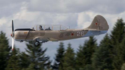 俄罗斯飞机牦牛52