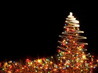 灯和圣诞树,圣诞节,黑色的背景