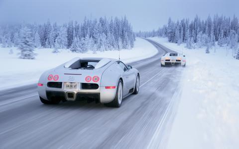 布加迪在冬季道路上
