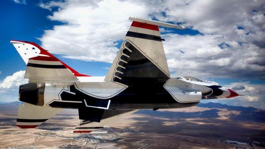 战斗机F-16猎鹰