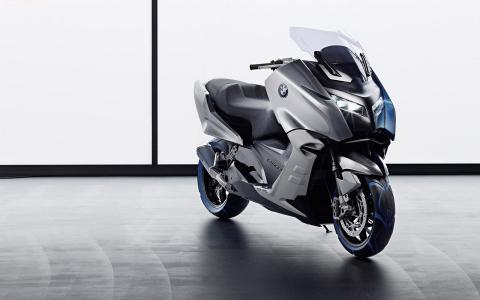 BMW滑行车C概念