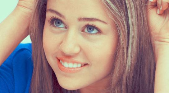 美丽的微笑麦莉·赛勒斯