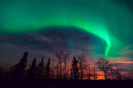 在日落的极光borealis
