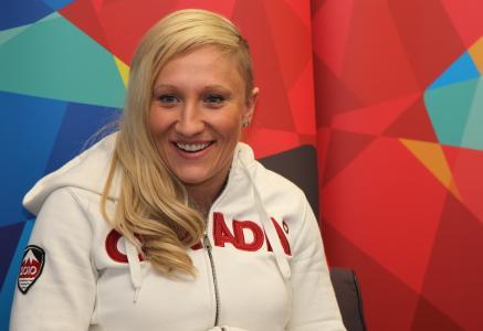 加拿大雪橇凯莉·汉弗里斯在奥运在索契