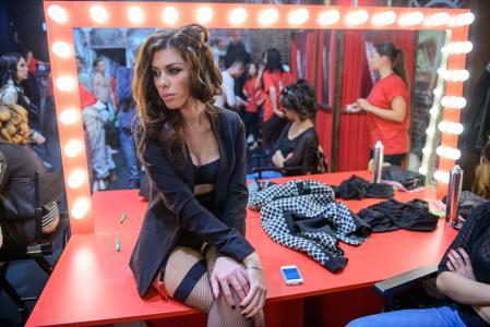 迷人的歌手安娜·塞多科娃
