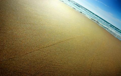 在海边光滑的沙滩