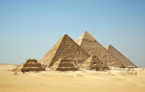 吉萨金字塔