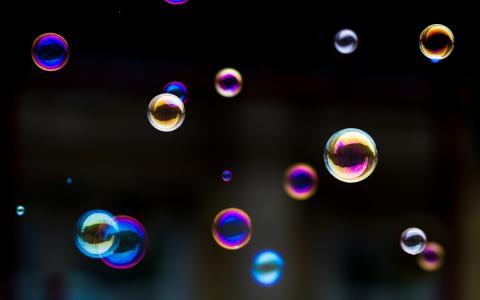 多彩色的肥皂泡