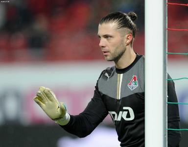 守门员Lokomotiv伊利亚·阿巴耶夫在目标