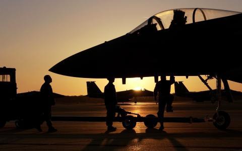服务飞机F-15鹰基础