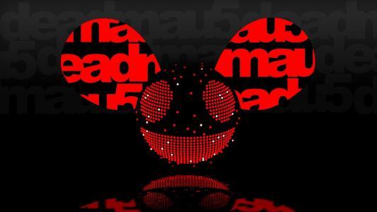 红色的DJ deadmau5
