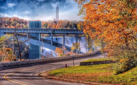 大桥在加拿大的瀑布