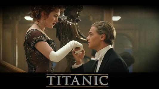 """杰克邀请罗斯在电影""""泰坦尼克号""""中跳舞"""